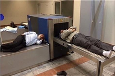 تأخیر ۱۰ ساعته پرواز نجف-تهران و سرگردانی مسافران در محوطه بیرونی فرودگاه