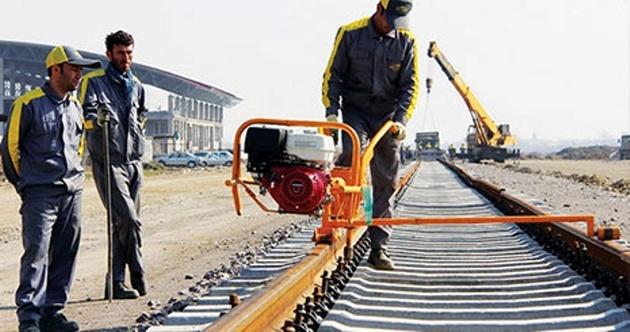 تفاهم نامه 700 میلیون یورویی ساخت خط آهن ارس امضا شد