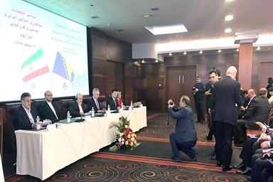 درخواست برای لغو ویزا میان ایران و بوسنی