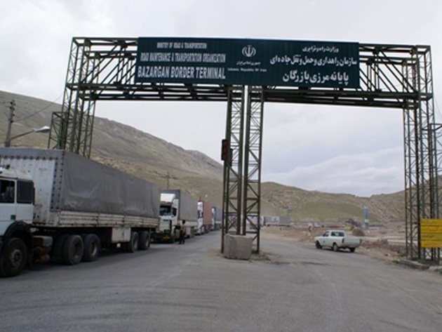 بیش از ۴۰ هزار و ۵۰۱ دستگاه کامیون امسال از مرز بازرگان تردد کرد