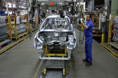 رشد ۱۹.۱ درصدی تولید خودروی سواری در سال ۹۹