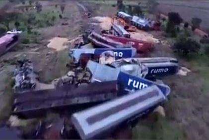 فیلم| خروج واگنهای قطار از خط