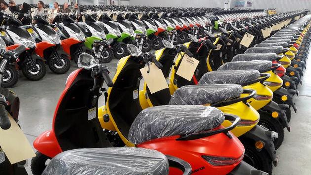 زنان و جوانان؛ مشتریان اصلی موتورسیکلتهای برقی!