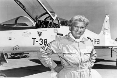تقویم تاریخ/درگذشت ژاکلین کاکرن؛ از پیشگامان هوانوردی آمریکا (1980م)