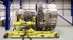 سفر به درون کارخانه «رولزرویس»: موتور هواپیما چگونه ساخته میشود؟
