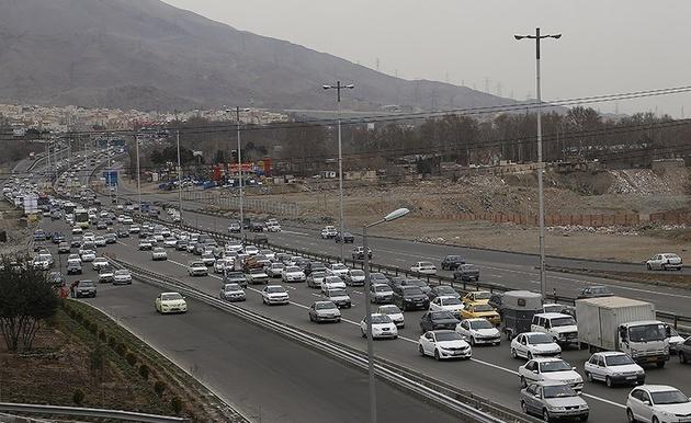 ترافیک سنگین در جادههای استان زنجان حاکم است