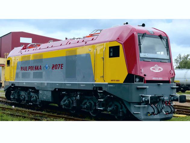 M62 diesel locomotive rebuilt as an electric