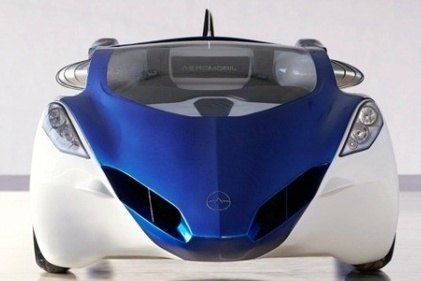 AeroMobil unveils futuristic flying car, plans to launch by ۲۰۱۷