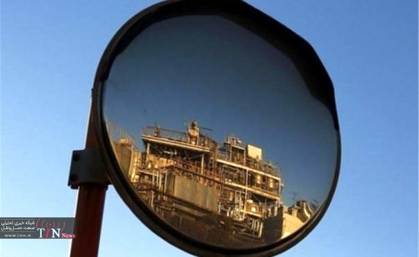 بازار نفت در نیمه نخست ۲۰۱۷ به تعادل می رسد