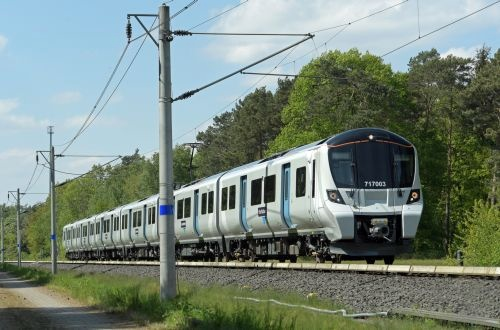 GTR and Siemens unveil Great Northern class 717 EMUs