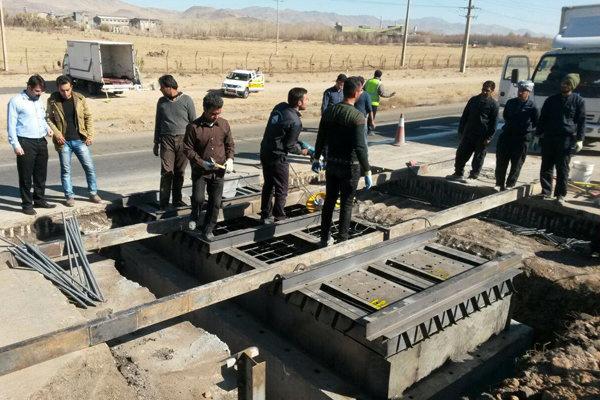 نصب سه دستگاه سامانه توزین بار در محور آزادراهی گرمسار-قم