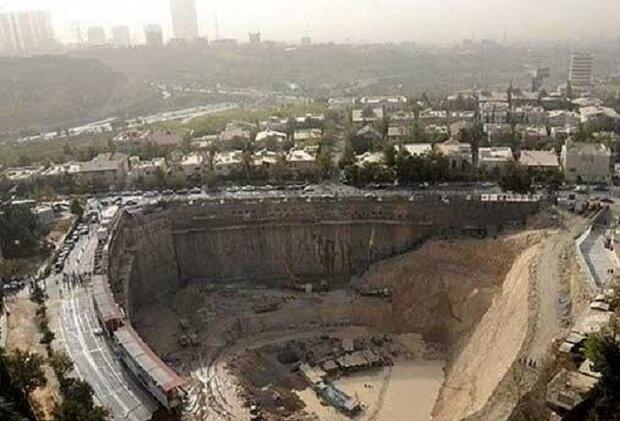 شهرداری تهران مکلف به تعیین تکلیف گود پای برج میلاد شد