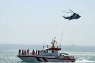اعزام سه بالگرد و دو شناور ناجی به منطقه راس المطاف برای یافتن شناور صیادی و۸ سرنشین آن