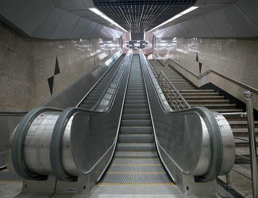 پله برقی ایستگاه مترو شادمان آبان ماه نصب میشود
