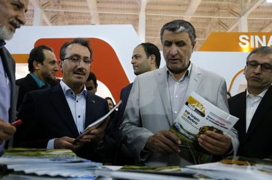 رونمایی نشریه «قطار» با حضور وزیر راهوشهرسازی/ رسانهها از تولید داخل حمایت کنند