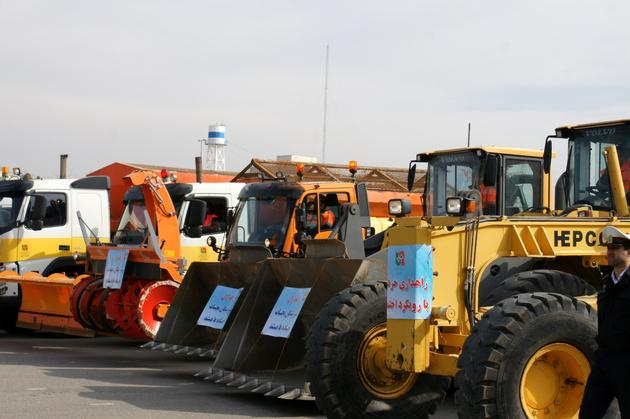 اعزام ماشینآلات راهداری آذربایجانشرقی برای بازگشایی راههای لرستان