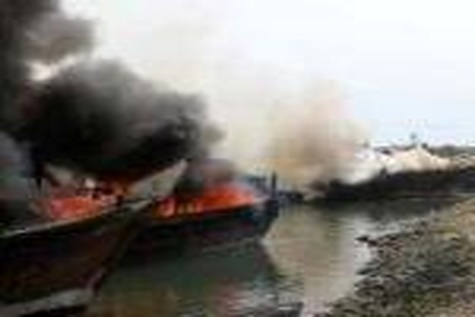 آتش در کانتینربر در دریای جنوب چین