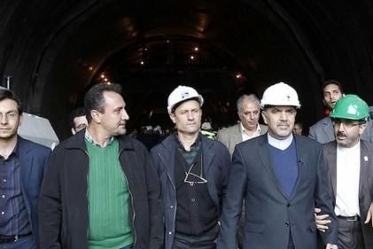 بازدید معاون اول رئیس جمهور و وزیر راه و شهرسازی از قطعه یک آزادراه تهران - شمال