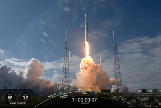 فیلم| این ماهواره رویای پوشش اینترنت در سرتاسر کره زمین را عملی میکند