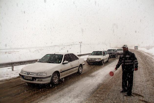 تردد روان در محورهای مواصلاتی خراسان جنوبی/ با تجهیزات زمستانی سفر کنید
