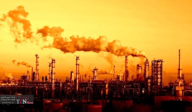 صادرات نفت ارزان وفروش بنزین گران / سناریوی گرانی بنزین روی میزرفت؟