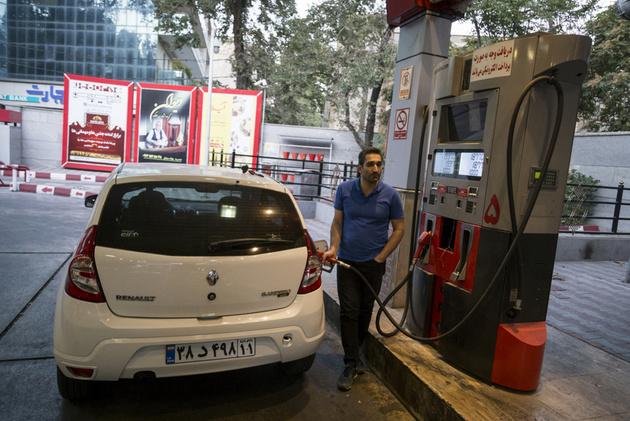 مردم تبریز از حضور در پمپ بنزین ها خودداری کنند