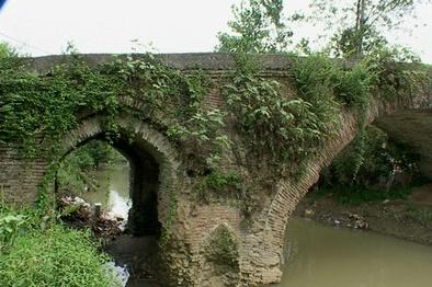 پلهای تاریخی گیلان سربلند در برابر سیلاب