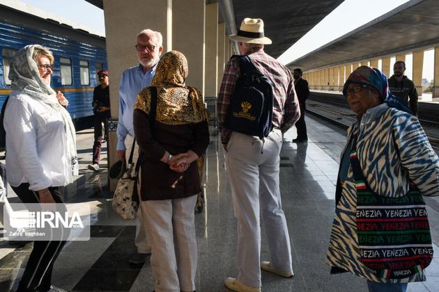 Golden Eagle tourist train arrives Isfahan