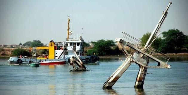 مناقصه خارجسازی هشت فروند شناور غرق شده در اروندرود/ شناور «خانیان» در اولویت