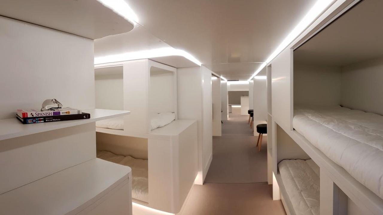 آیا میتوانید در قسمت بار هواپیما بخوابید؟