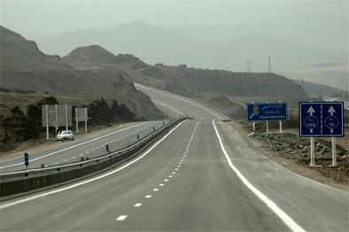آسفالت ۱۸۴ کیلومتر از محورهای مواصلاتی خراسان جنوبی همزمان با سال جهش تولید/