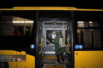 ضدعفونی کردن اتوبوسهای شرکت واحد در قم