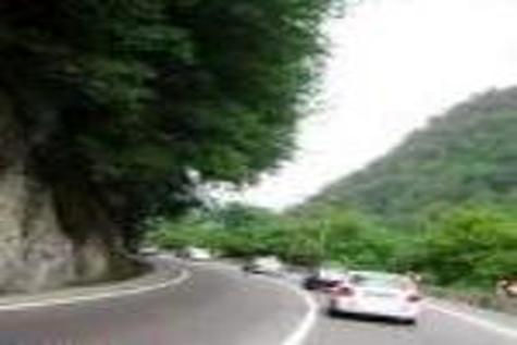جاده های کوهستانی مازندران باز اما لغزنده است
