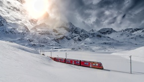 10 مسیر شگفتانگیز  و رؤیایی قطارهای زمستانی در دنیا