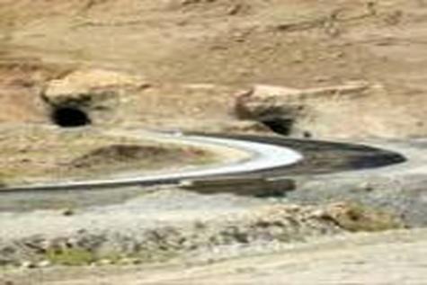 عملیات بازسازی محور مسجدسلیمان به هفتگل آغاز شد
