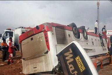 مقصران حادثه واژگونی اتوبوس در گرمسار معرفی شدند