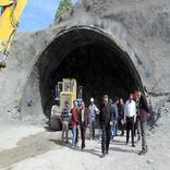 پیگیری آخرین وضعیت پروژههای راهسازی بزرگراه ایلام- مهران