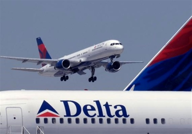 فرود اضطراری یک هواپیمای دیگر بوئینگ به علت نقص فنی موتور