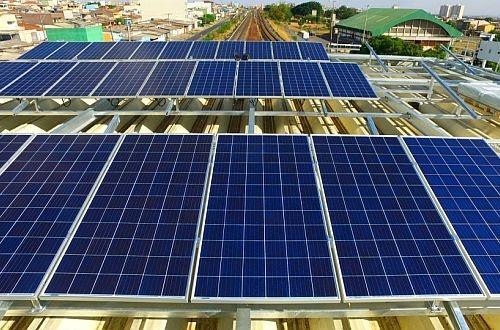 Brasilia metro equips first station will solar power plant