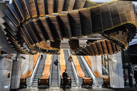 عکس/ طراحی راهآهن سیدنی با پلههای چوبی