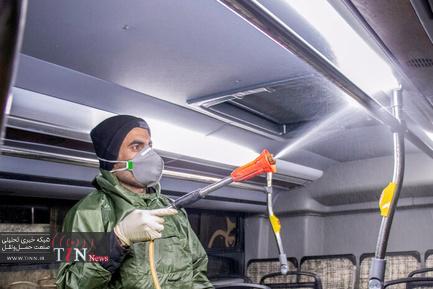 ضدعفونی و شستشوی اتوبوس های شهری اراک برای پیشگیری از کرونا