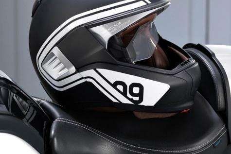 توزیع کلاه ایمنی رایگان بین موتورسواران اردبیل