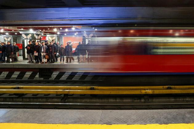 بیش از ۹۵ درصد مسافران مترو از ماسک استفاده می کنند