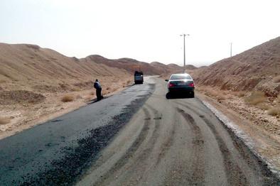 آسفالت ۵ کیلومتر از محور جیرفت - سهراهی بم در جنوب استان کرمان