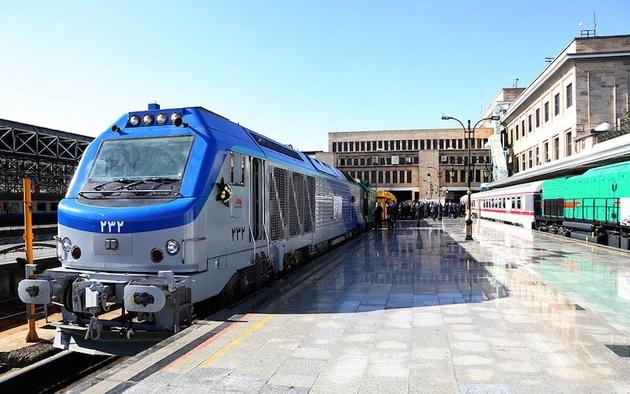 قطار دوطبقه همدان- تهران ظرف ۱۰ روز آینده راهاندازی میشود