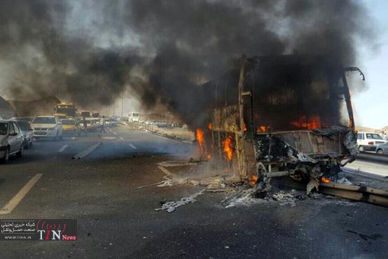 روایت یک شاهد عینی از برخورد اتوبوس با تانکر حمل سوخت  + فیلم
