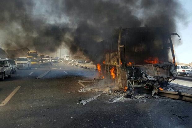 روایت یک شاهد عینی از برخورد اتوبوس با تانکر حمل سوخت در سنندج