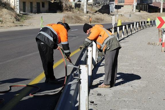 نقش کلیدی علائم جادهای در افزایش ضریب ایمنی راهها