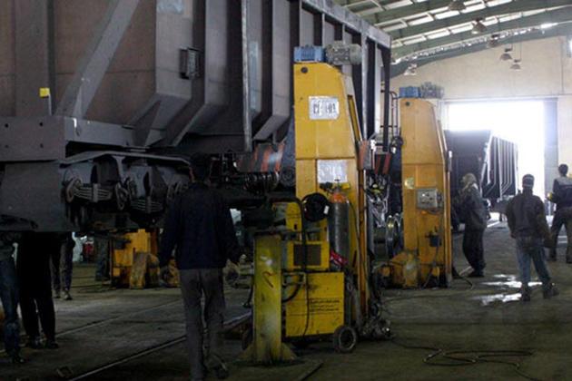 کسب رتبه نخست راه آهن اراک در تعمیرات اساسی واگنهای باری