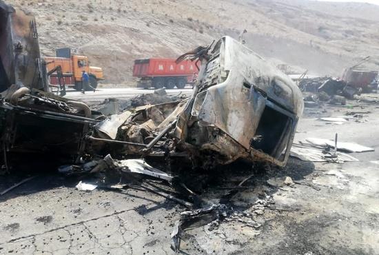 تصادف دلخراش در محور حاجی آباد-بندرعباس